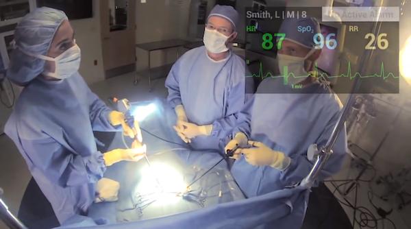 תמונה: Google Glass בחדר הניתוח